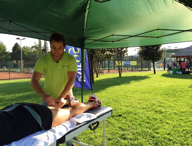 Kyrocream with physiotherapist professionals